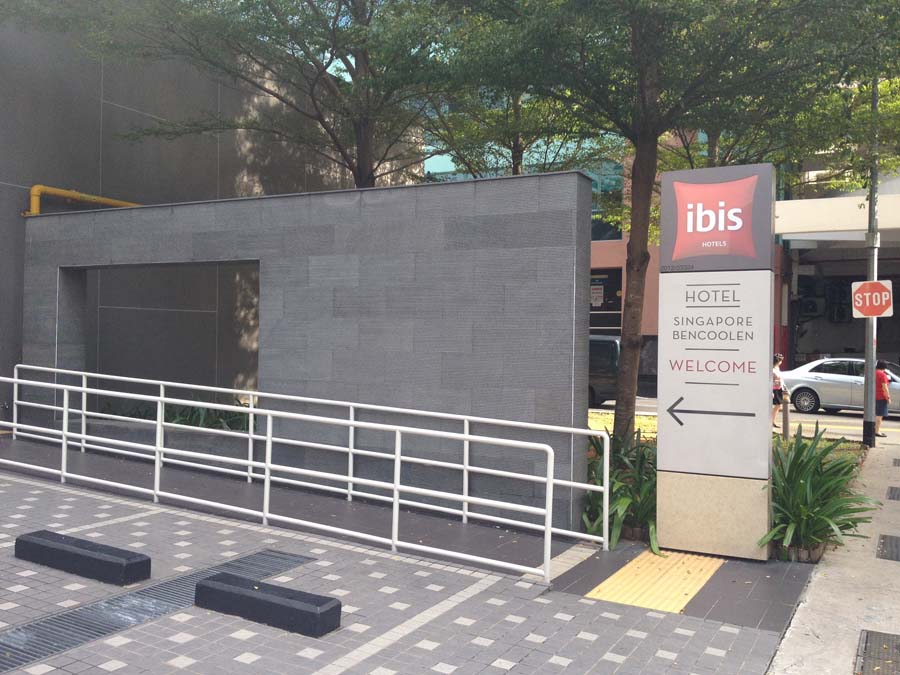 Basalt-Wall-Cladding-At-Ibis-Singapore-Bugis3