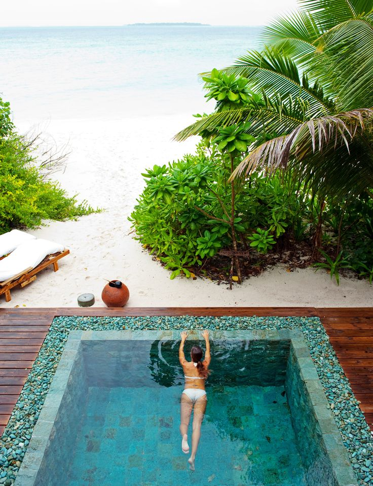 Green Sukabumi Split Face for Swimming Pool (Photo Courtesy Soneva Fushi Resort Maldives)