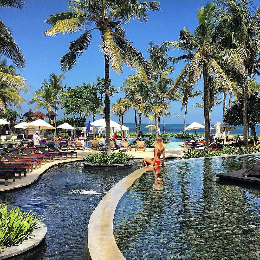 Bali stone at W Retreat & Spa Bali. Courtesy IG: @poisonluxe