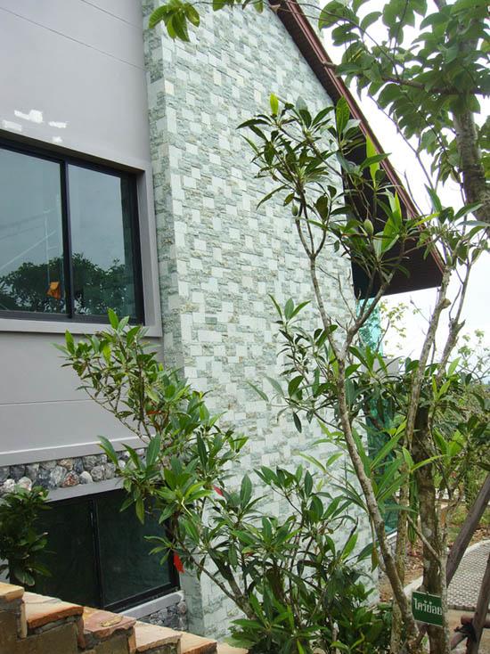 green-sukabumi-splitface
