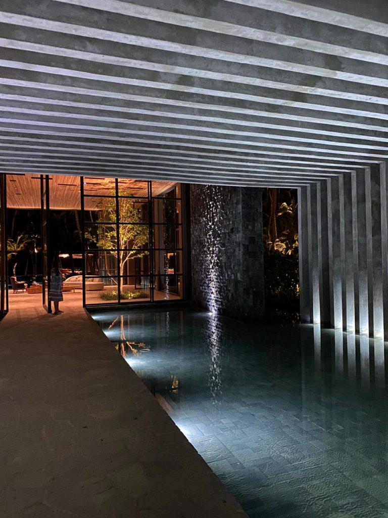 bali-black-lavastone-pool